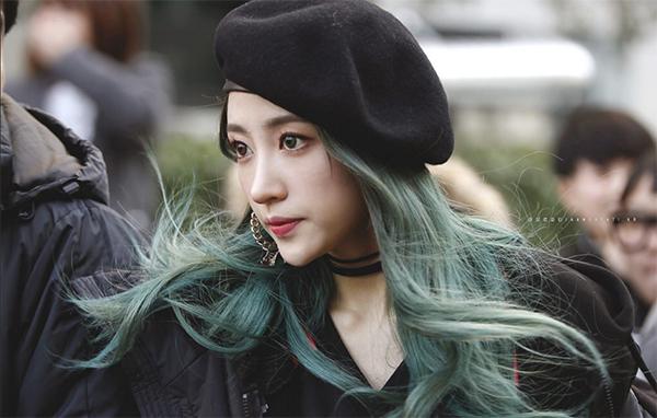 Top 12 màu tóc xám xanh đẹp trẻ trung ấn tượng và vô cùng nổi bật - 6