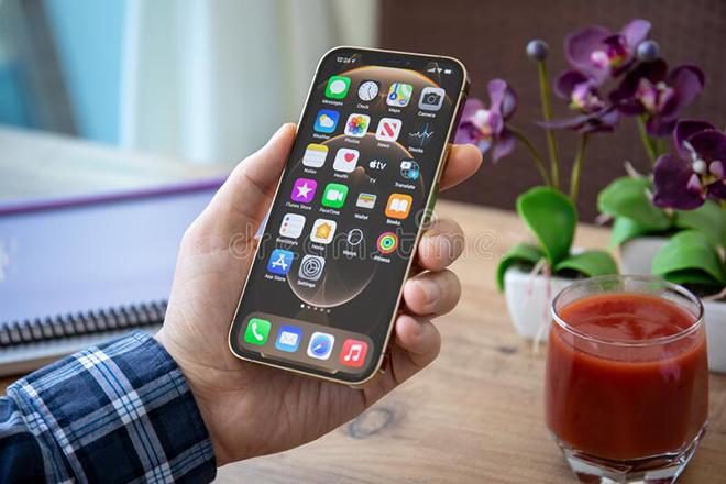 """Top smartphone pin """"trâu"""" nhất thị trường thời điểm này - 3"""