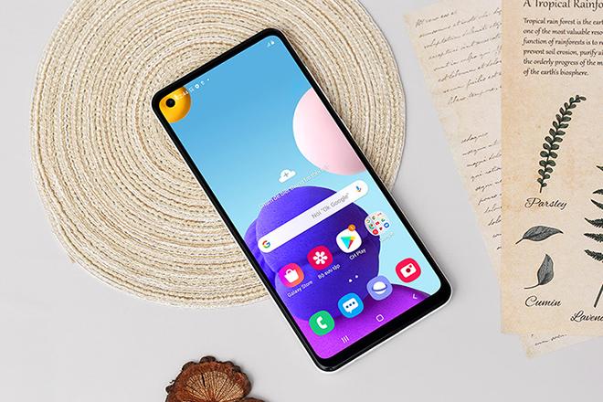 """Top smartphone pin """"trâu"""" nhất thị trường thời điểm này - 8"""