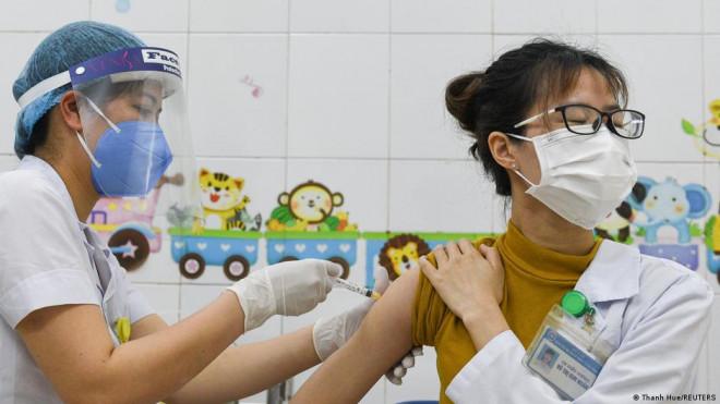 Nguyên nhân các nước châu Âu hỗ trợ nhiều vắc-xin Covid-19 cho Việt Nam - 1