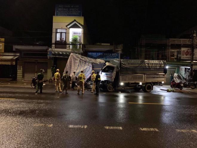 Xe tải tông sập chốt kiểm dịch trên Quốc lộ 20, 3 người thoát chết - 4
