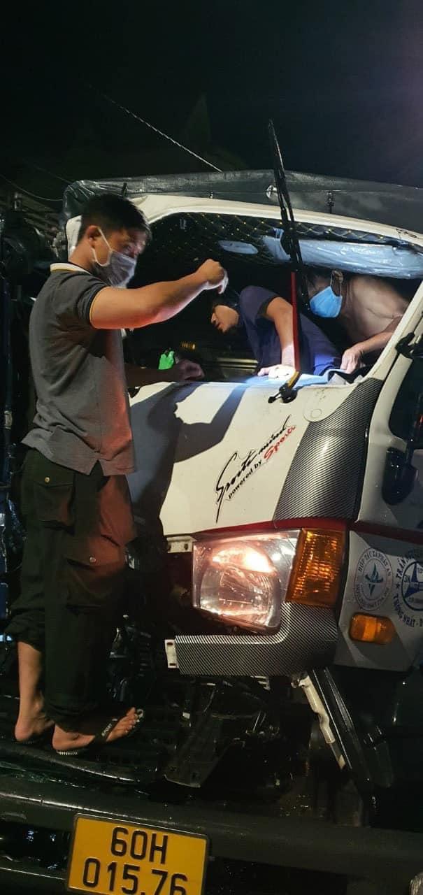 Xe tải tông sập chốt kiểm dịch trên Quốc lộ 20, 3 người thoát chết - 3