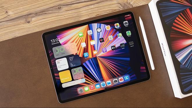 """Galaxy Tab S8 Ultra sẵn sàng """"đối đầu"""" iPad Pro M1 với chip và màn hình xịn - 1"""