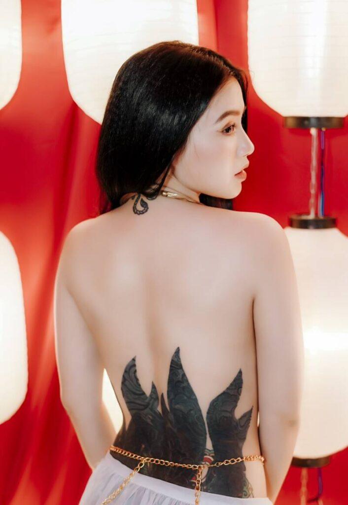 Linh Miu khoe hình xăm kín những vị trí hiểm hóc, không phải ai cũng dám thử - 7