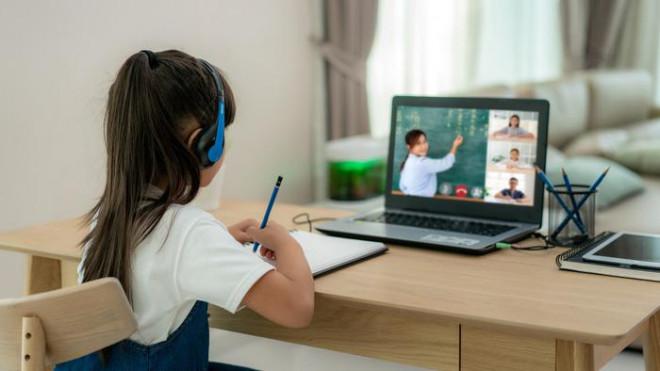 4 nhóm thực phẩm tốt cho mắt nên khuyến khích trẻ ăn nhiều khi học online - 1