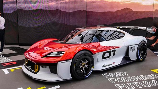 Đây là siêu phẩm 1.000 mã lực đến từ thương hiệu Porsche - 1