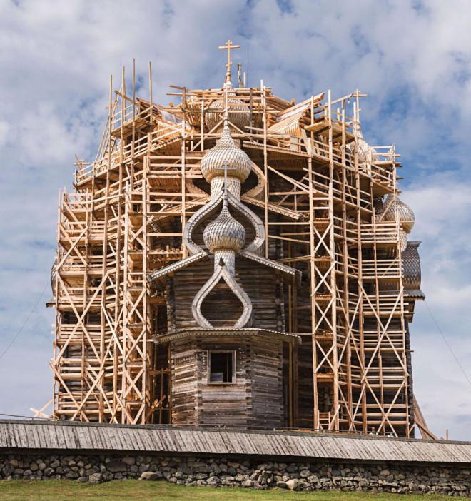 Nhà thờ gỗ hơn 300 năm tuổi xây dựng mà không dùng tới đinh sắt - 3