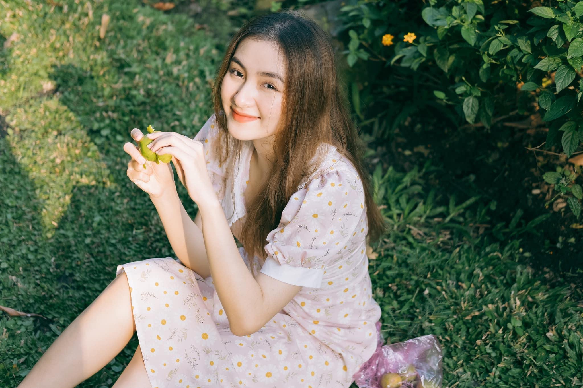"""Nữ sinh Tiền Giang """"gây bão tranh cãi"""" vì quá xinh đẹp, được dự đoán làm hoa hậu - 9"""