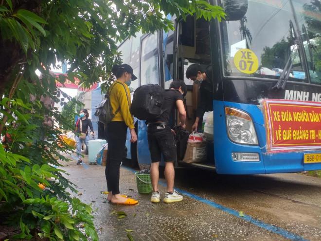 """Bình Thuận đưa 15 người """"ngồi thùng xe đông lạnh né chốt"""" về quê - 1"""