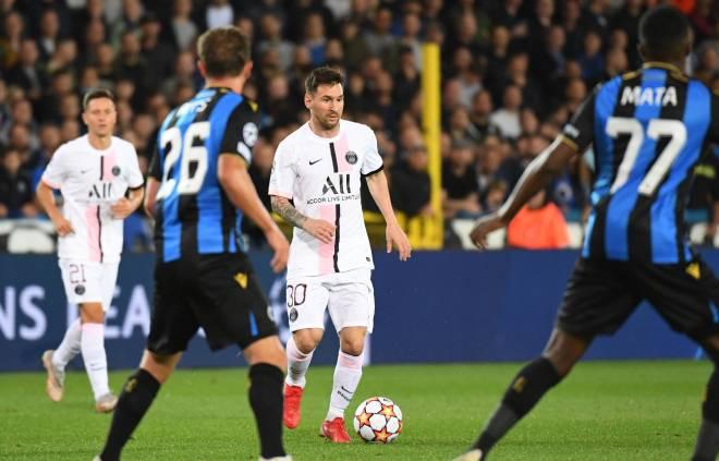 """Messi """"tịt ngòi"""" bị đối thủ chế giễu ngày đá cùng Neymar - Mbappe ở Cúp C1 - 1"""