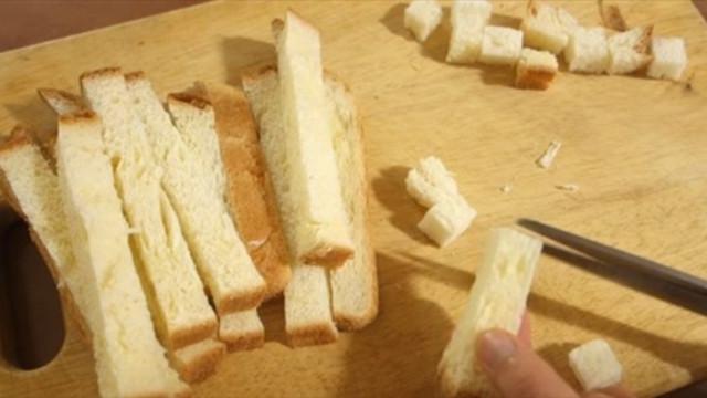 Cách làm bánh Trung thu bằng sandwich cực độc đáo - 1