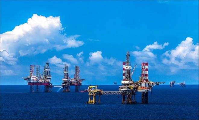 Giá dầu hôm nay 18/9: Giảm trở lại khi nguồn cung tốt dần lên - 1