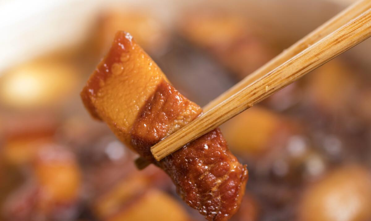 Sử dụng 3 nguyên liệu này khi kho thịt lợn chẳng trách thịt vừa dai vừa mất vị - 5