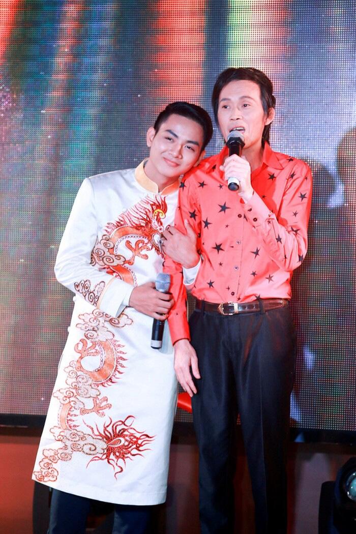 Hoài Linh từng phản đối việc Hoài Lâm kết hôn sớm