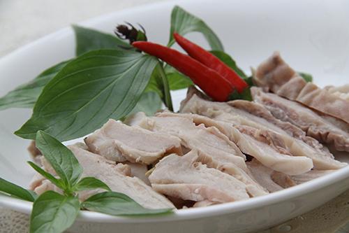 Rửa dạ dày heo bằng thứ này khiến món ăn khô lại bốc mùi khó chịu - 5