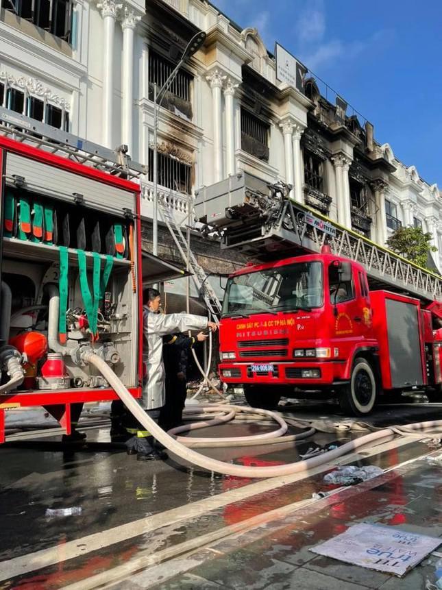 Vụ cháy shop quần áo ở Ninh Hiệp: 4 căn liền kề bị cháy trụi - 4