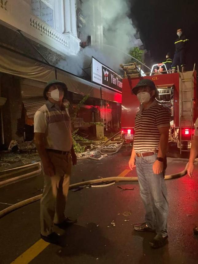 Vụ cháy shop quần áo ở Ninh Hiệp: 4 căn liền kề bị cháy trụi - 3