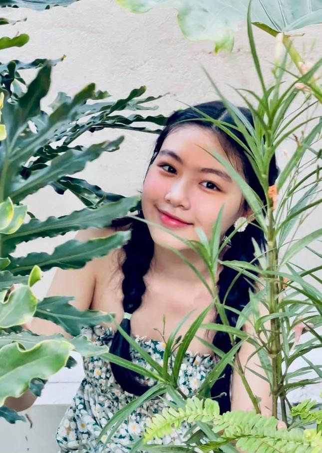 Con gái 15 tuổi nhà Quyền Linh khuấy đảo mạng xã hội với bộ ảnh xinh như thiên thần - 1