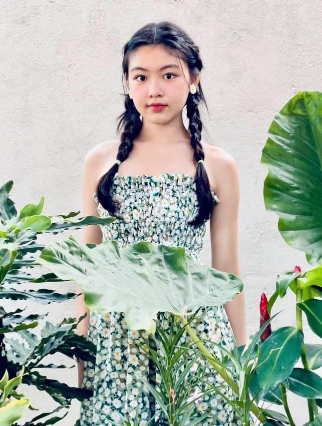 Con gái 15 tuổi nhà Quyền Linh khuấy đảo mạng xã hội với bộ ảnh xinh như thiên thần - 2
