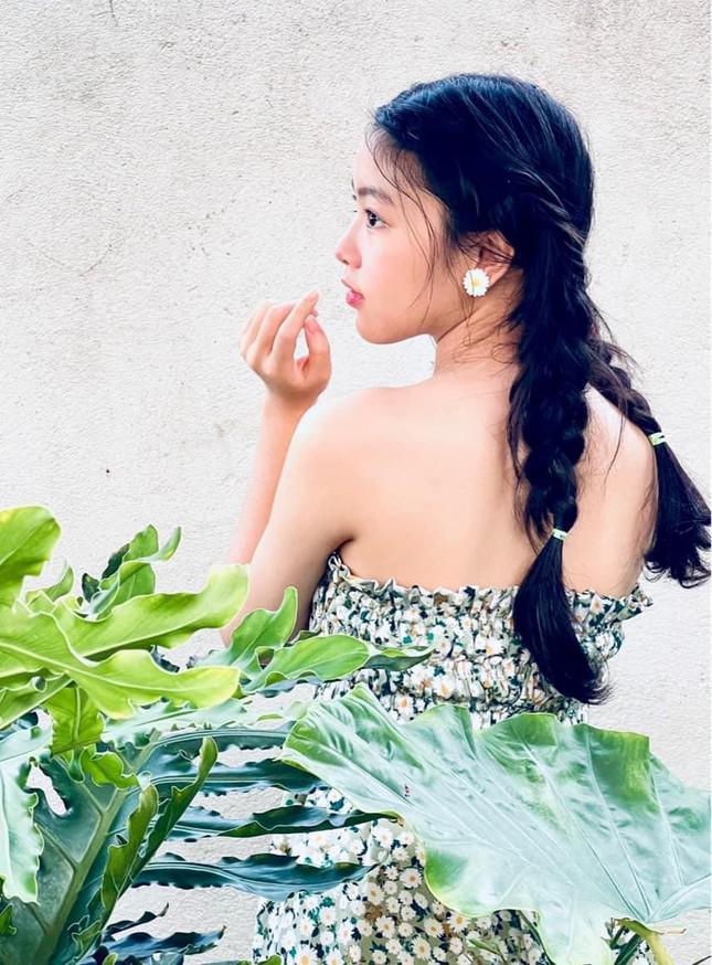 Con gái 15 tuổi nhà Quyền Linh khuấy đảo mạng xã hội với bộ ảnh xinh như thiên thần - 4