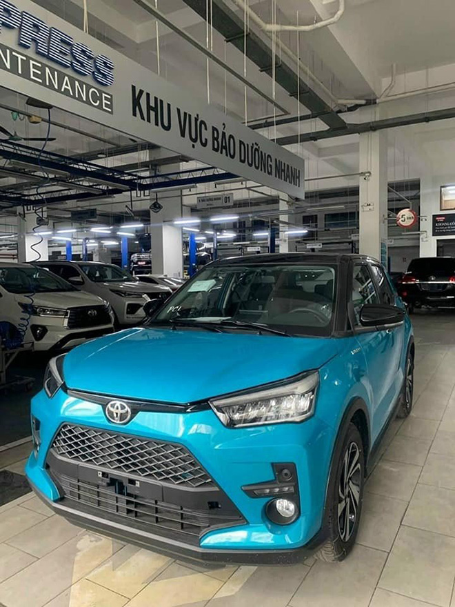 Toyota Raize xuất hiện tại đại lý, giá bán dự kiến khoảng 500 triệu đồng - 1