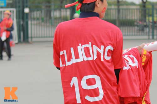 """truoc gio g, fan ham mo thay tro hlv miura """"cuong nhiet"""" - 5"""