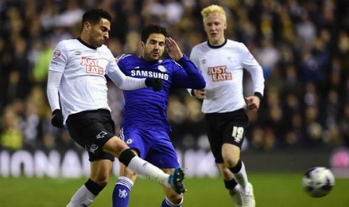 Thắng dễ Derby, Mourrinho ca ngợi Fabregas hết lời