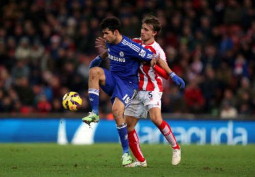 Chelsea bảo toàn ngôi đầu, Mourinho vẫn bình thản