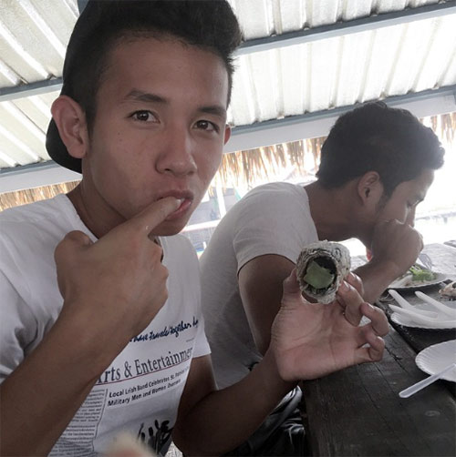 Chùm ảnh: Công Phượng & đồng đội đón Giáng sinh ở Thái