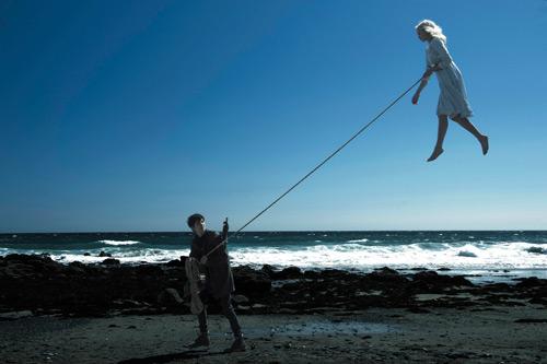 """Choáng ngợp bởi cảm giác ma mị trong """"Cô Peregrine"""" - hình ảnh 2"""