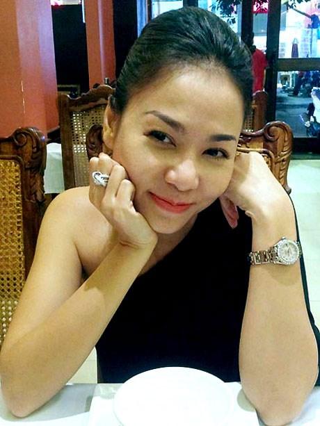 """""""Choáng"""" với nhẫn kim cương đắt đỏ của mỹ nhân Việt - hình ảnh 5"""