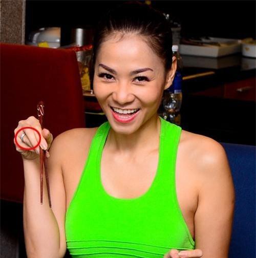 """""""Choáng"""" với nhẫn kim cương đắt đỏ của mỹ nhân Việt - hình ảnh 6"""