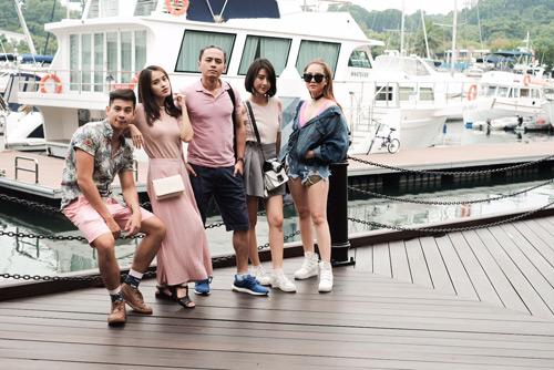 Văn Anh, Tú Vi chơi trội đưa cả đoàn phim du lịch Singapore - hình ảnh 7