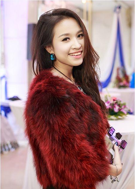Mê mẩn ngắm mỹ nhân Việt sành điệu với áo lông - hình ảnh 5