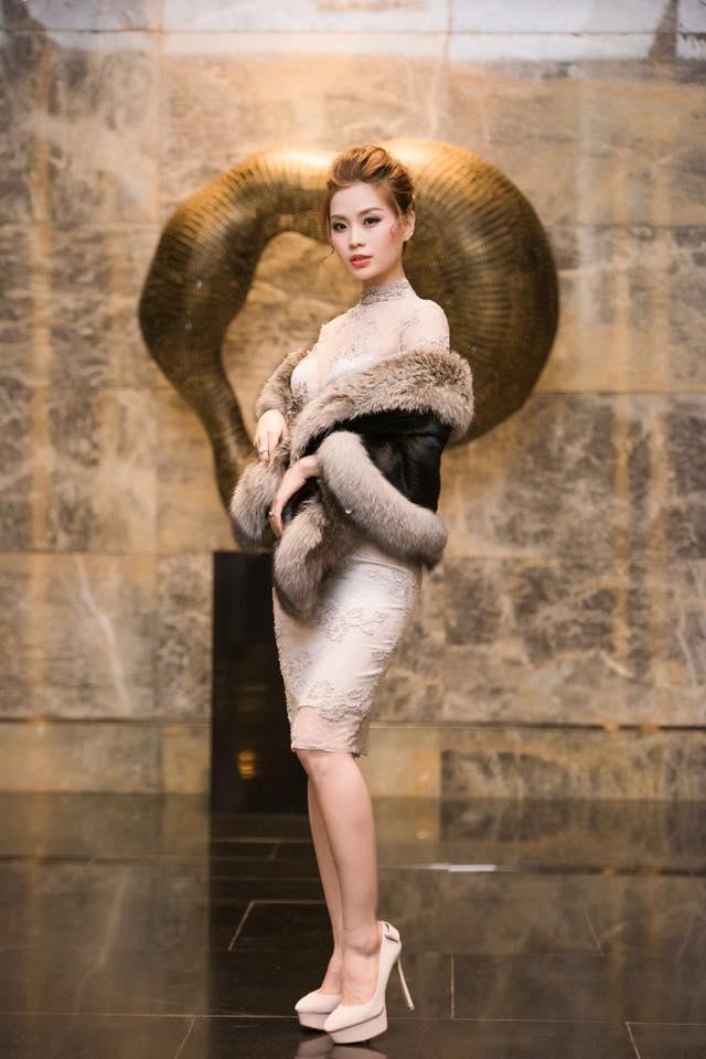 Mê mẩn ngắm mỹ nhân Việt sành điệu với áo lông - hình ảnh 7