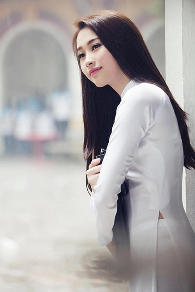 Ngẩn ngơ ngắm giai nhân Việt thả dáng với tà áo trắng - hình ảnh 1