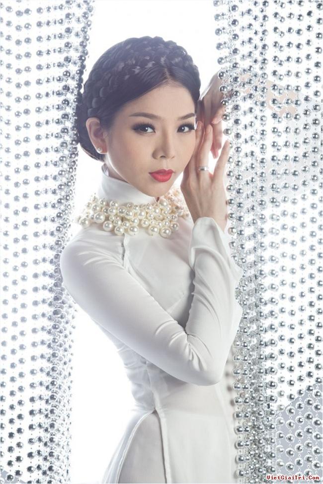 Ngẩn ngơ ngắm giai nhân Việt thả dáng với tà áo trắng - hình ảnh 10