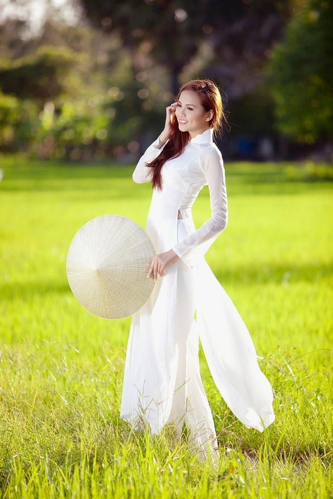 Ngẩn ngơ ngắm giai nhân Việt thả dáng với tà áo trắng - hình ảnh 11