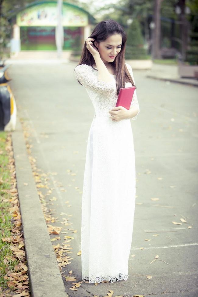 Ngẩn ngơ ngắm giai nhân Việt thả dáng với tà áo trắng - hình ảnh 13