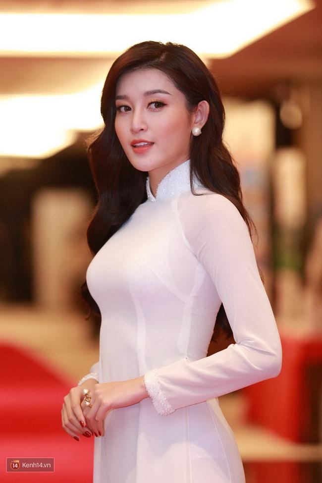 Ngẩn ngơ ngắm giai nhân Việt thả dáng với tà áo trắng - hình ảnh 14