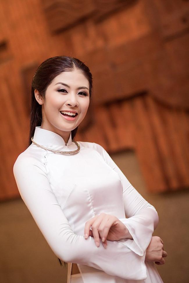 Ngẩn ngơ ngắm giai nhân Việt thả dáng với tà áo trắng - hình ảnh 15