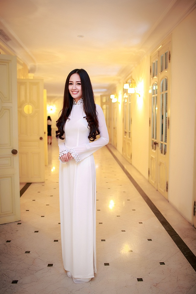Ngẩn ngơ ngắm giai nhân Việt thả dáng với tà áo trắng - hình ảnh 19