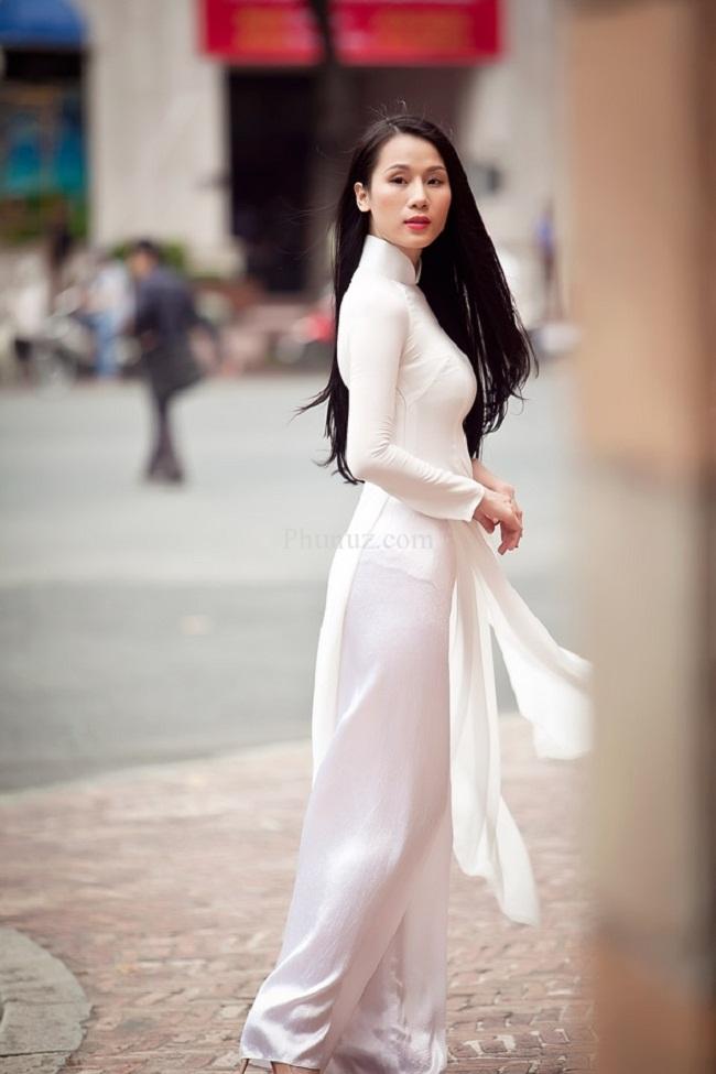 Ngẩn ngơ ngắm giai nhân Việt thả dáng với tà áo trắng - hình ảnh 20