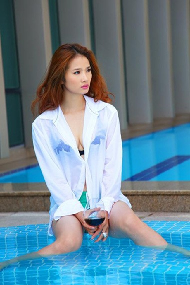 Mỹ nhân Việt nóng bỏng cực độ vì mặc sơ mi trắng ướt sũng đi bơi - hình ảnh 15