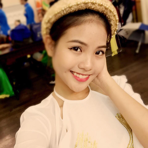 7 bà bầu gợi cảm, xinh đẹp nhất showbiz Việt hiện giờ - hình ảnh 11