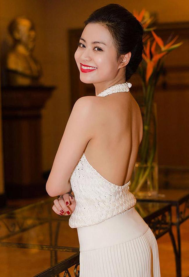 Hoàng Thùy Linh thôi miên mọi ánh nhìn với gu thời sang cực sexy - hình ảnh 4