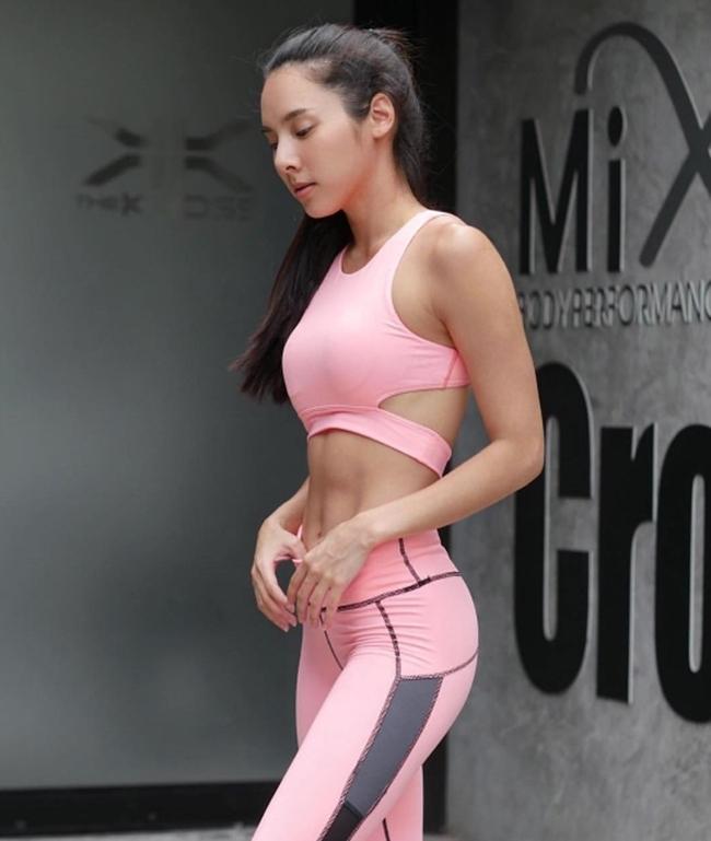 """Mốt rũ bỏ """"bánh bèo"""", khoe cơ bắp đầy sexy của phái đẹp châu Á - hình ảnh 1"""