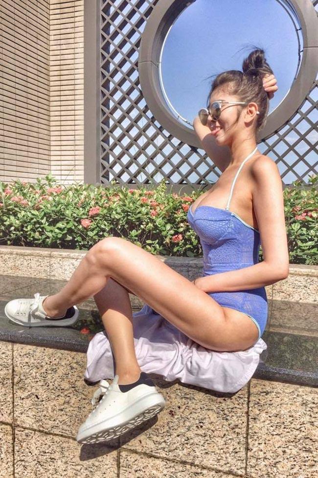 """Ngắm hot girl gợi cảm gây sốt với đôi chân """"bất thường"""" - hình ảnh 4"""