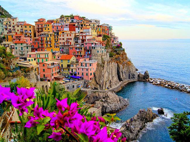 Những thị trấn nhỏ đẹp nhất Châu Âu khiến bạn như lạc vào xứ thần tiên - hình ảnh 1