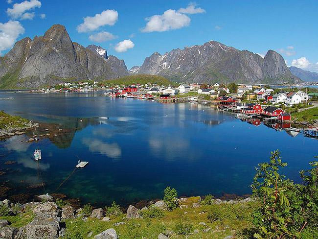 Những thị trấn nhỏ đẹp nhất Châu Âu khiến bạn như lạc vào xứ thần tiên - hình ảnh 4